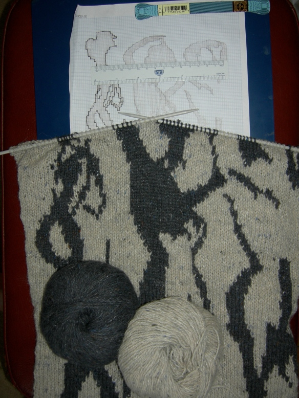 """intarsia chart and knitting"""