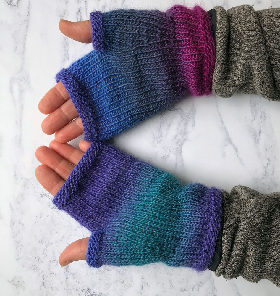 Nicky Barfoot DK mitts workshop low res